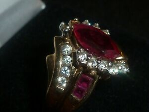 10K SOLID YELLOW GOLD PINK TOPAZ & CLEAR STONE ACCENTED RING- SIZE 9.5 - 3.83 G