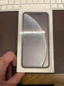 Apple iPhone Xr 64gb Black Unlocked ANY SIM WORKS! SHIPS FAST! NEW SEALED!