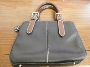 EUC Dooney & Bourke 2002 All Weather Pebbled Leather 2 Y031 Purse 3 section Bag