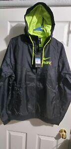 Nike Catch Air Mens Windbreaker Full-Zip Jacket CW4708-010 Black-Size Medium