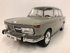 BMW 2000 Ti Gris 1966 1:18 Echelle Model car Group 18112