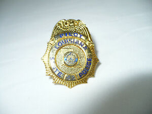 """VINTAGE """"LOUISIANA STATE"""" POLICE PILOT DEPARTMENT HAT PIN BADGE COLLECTIBLE"""