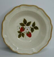 "Mikasa Strawberry Festival Vegetable Serving Bowl 9 3/4"" Flowers Floral EUC"