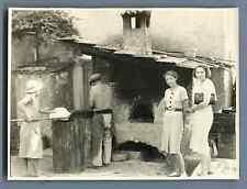 Beaulieu sur Mer, le four du boulanger, 1930  Vintage silver print. Tirage arg