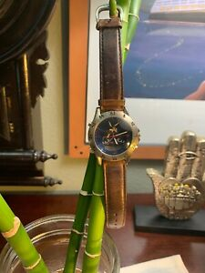 VINTAGE Wile E Coyote Fossil Watch Acme Warner Brothers EXCLUSIVE Rare HongKong