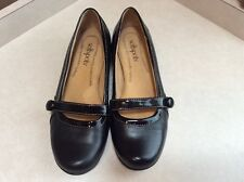 537de6e94902 Womens Softspots size 5M black leather Mary Janes flats shoes
