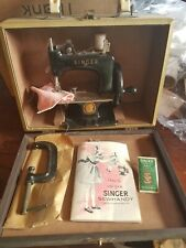vintage childs singer Sewhandy model #20 sewing machine