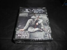 ROYAL MODELS 659 1/35 US INFANTRY AT REST w/RIFLE WWII (NO. 1) RESIN FIGURE KIT