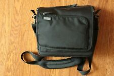 Think Tank SubUrban Disguise 30 Shoulder Bag Excellent Condition