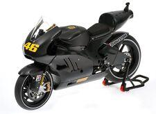 Minichamps Ducati Desmosedici GP11 1:12 #46 Valentino Rossi Valencia test 2010
