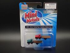 Camions miniatures rouges 1:60
