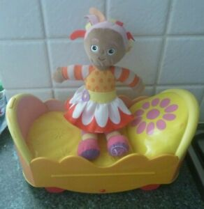 In The Night Garden -  Upsy Daisy plus  Musical  Bed