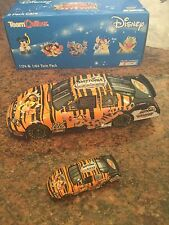 1:24 & 1/64 2006 Disney Twin Pack # 06 Nascar Tigger