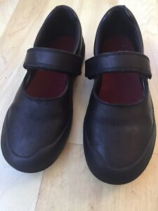 Girls Clarks shoes size 12F. Black leather VGC