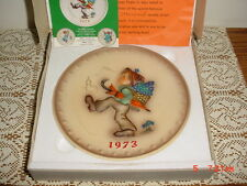 "HUMMEL GOEBEL ""1973"" COLLECTOR PLATE/BOX/HUM266/W GERMANY/HAND PAINTED/FREE SHIP"