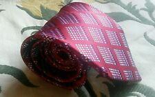 A Quality Silk Tie From Van Heusen.
