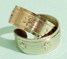 boucles d'oreilles percees vintage anneaux gravés étoiles couleur or   *3049