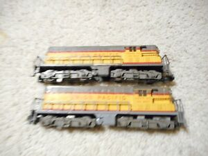 S SCALE AMERICAN FLYER #372 GP-7 DIESEL AND A NON-POWERED DUMMY UNIT