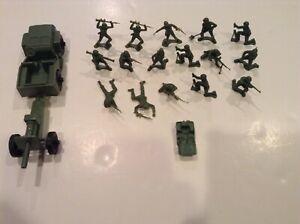 Vintage  TIM-MEE Toys Army Jeep,  Artillery Field Piece & 16 Army Men