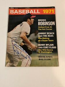 BROOKS ROBINSON Hand Signed On Cover 1971 Dell  Baseball Magazine