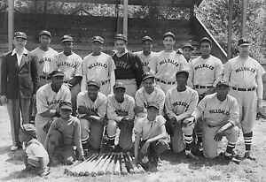 Hillsdale Daisies 1940 - Negro League, 7x10 B&W Photo