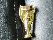 1966 - JULES RIMET - WORLD CUP TROPHY PIN BADGE - GOLD PLATED - NEW