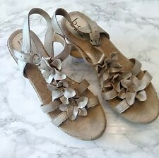 BORN BOC CONCEPT Women's Blossom Flower Wedge Sandals Cork  Tan Gold Sz 9