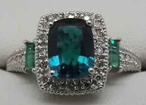 SOLID 9CT WHITE GOLD NATURAL DIAMOND & SYNTHETIC EMERALD DRESS RING - SIZE O