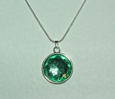 SIMPLE FACETED GREEN ACRYLIC CRYSTAL PENDANT SILVER PL MOUNT & ROUND CHAIN