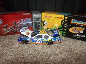 1/24 STEVE PARK #30 AOL / LOONEY TUNES BACK IN ACTION 2003 ACTION NASCAR