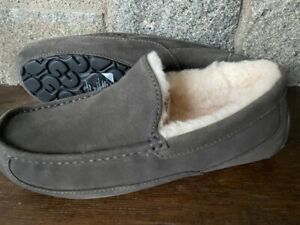 UGG Australia Men's Ascot Slippers 1101110 Shoes Sheepskin Suede Charcoal NEW 11