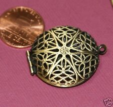 5 Antique Brass Filigree Locket Charm Pendants 27x32mm