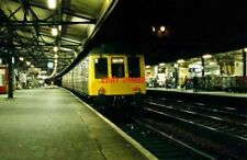 PHOTO  DMU UNIT L421.  READING RAILWAY STATION  NIGHT SHOT. UP MAIN PLATFORM. SU