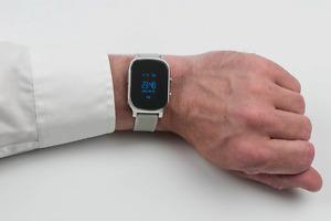 GPS-Track Watch silber: Notruf-Uhr mit Ortung | Senioren-Ortung via GPS incl.App