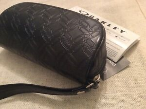 Oakley Sun glasses Frames leather zippered soft case wristlet black logo empty