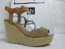 DV by Dolce Vita Nadiyah Leather Wedge Sandals Shoes 8