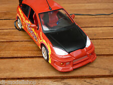 FORD FOCUS IN ROT MIT LED-BELEUCHTUNG(XENON) IN 1:24 BBURAGO