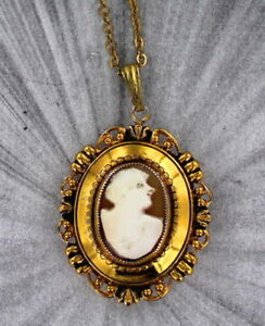 VINTAGE ANTIQUE SHELL CAMEO PENDANT NECKLACE  LOCKET WITH CHAIN