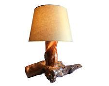 Lampada da tavolo in legno fatta a mano
