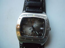 FOSSIL MAN'S BLACK LEATHER BAND WATCH.QUARTZ,BATTERY & WATER RESISTANT.AM-3690