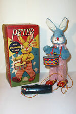 MINT 1950s BATTERY OPERATED PETER THE DRUMMING RABBIT TIN LITHO TOY ALPS JAPAN