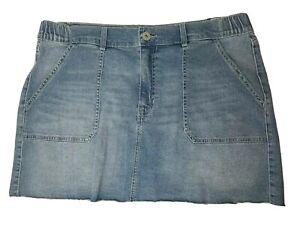No Boundaries Juniors Denim Hi Rise Skirt Size 2XL (19) Light Wash Frayed Hem