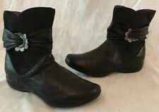Girls Clarks Black Leather Beautiful Boots Size 2F (639v)