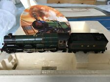 Hornby GWR King Henry VI Loco and Royal Doulton Plate Collectors Item Ltd Editn