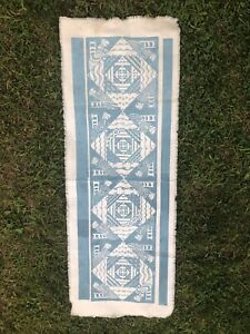 vintage  FOLLY COVE DESIGNERS  table runner  hand block quilting bee textile