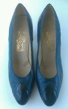 SALVATORE FERRAGAMO made in Italy women's shoes Sz 8.5 B Classics Mid-Heel Pump