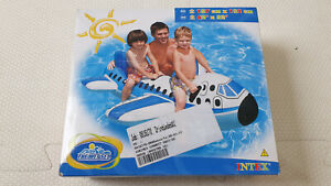 Inflatable 2006 Intex 2-people Airplane on Pool Toy New In Box