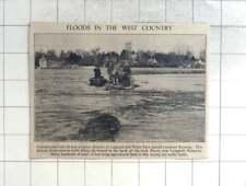 1950 Men Filling Breach In Bank Of River Parret, Lamport Somerset, Flooding