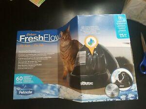 Petmate Deluxe Fresh Flow Purifying Water Pet Fountain, Reduces Splashing