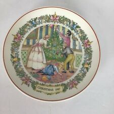Wedgwood Christmas Traditions 1987 Plate Dressing the Tree Collector's Plate Euc